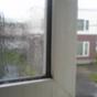 Today Rain 04:窓は全開にすると情緒がないので、これぐらいがちょうどよろしい。